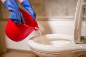 eau-bouillante-toilette-bouchees
